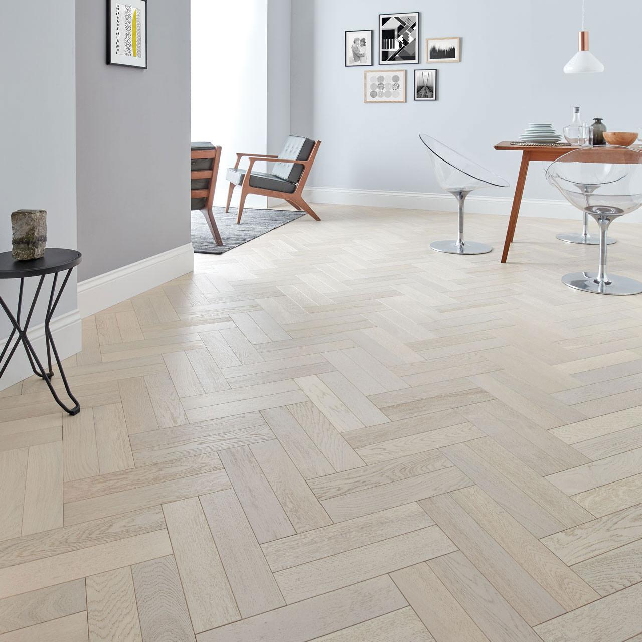 70mm x 500mm Natural Unfinished Solid Oak Herringbone Wood Flooring, 20mm Thick