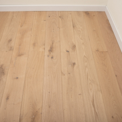 129.6m² - 180mm Hand Scraped Unfinished Solid European Oak Wood Flooring, 20mm Thick (60 packs)