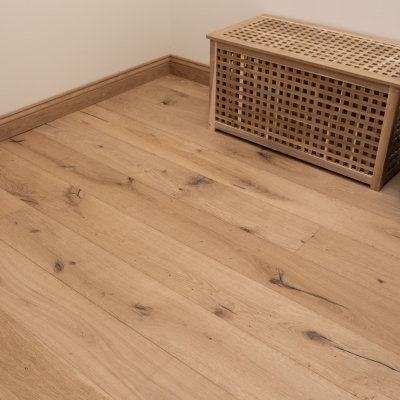 Bibury Distressed Oak 220 x 15/4mm Unfinished