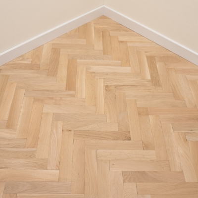Thorpe Oak Herringbone 70 x 350 x 18mm Unfinished