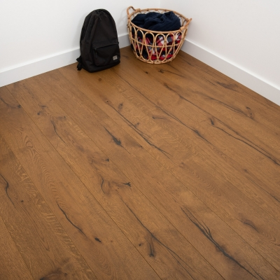 Bibury Golden Distressed Oak 220 x 15/4mm