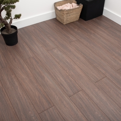 Nest 8mm Macchiato Oak Laminate Flooring