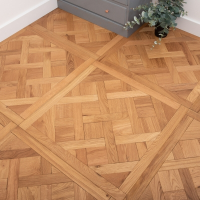 La Roche Manor Oak 800 X 800mm