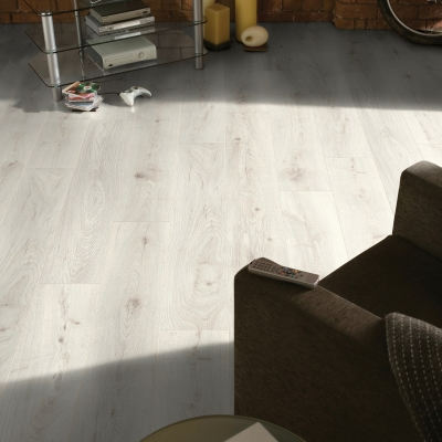 Nest 10mm Fairfax Oak 4V Groove Laminate Flooring