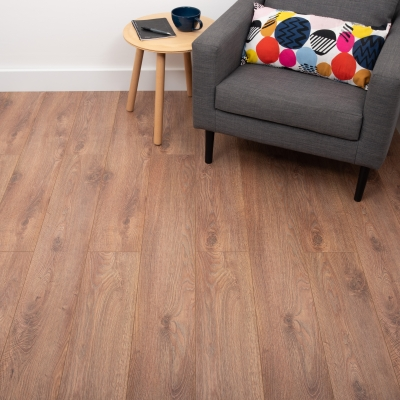 Nest 8mm Chestnut Oak Laminate Flooring