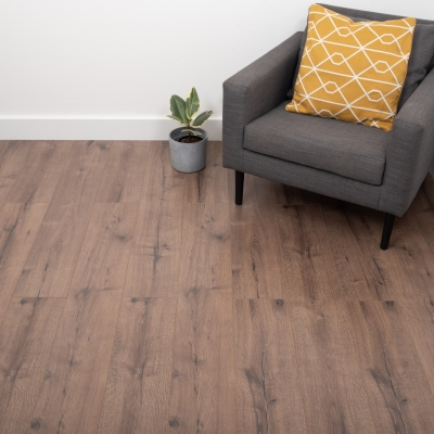 Nest 8mm Nutmeg Oak Laminate Flooring
