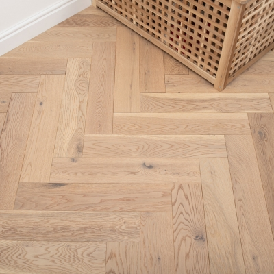 Painswick Wheat Oak 120 x 600 x 15/4mm