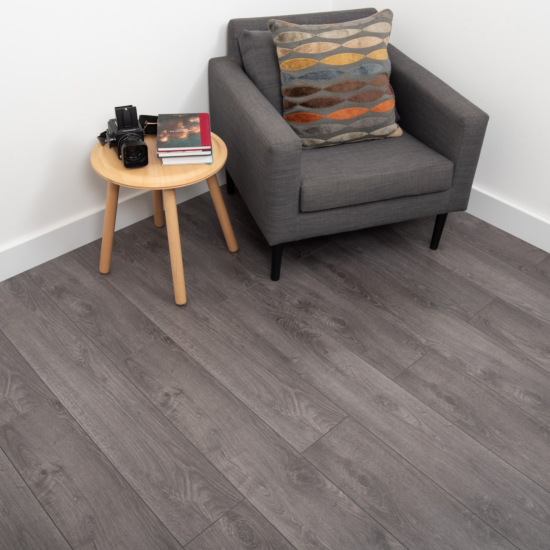 Nest 8mm Smokey Oak Laminate Flooring, Smokey Grey Laminate Flooring